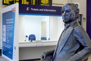 CROSSRAIL TICKET SALES COUNTER MOCK-UP (PADDINGTON STATION)